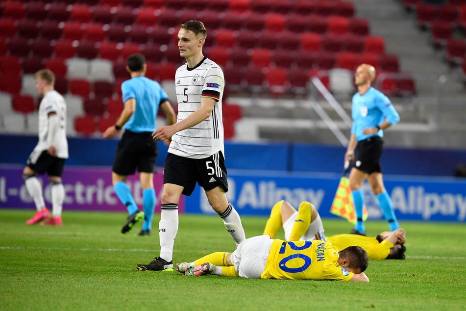 Amos Pieper (23) hat mit der Deutschen Nationalmannschaft einige überzeugende Auftritte hingelegt. Am Ende gab es dafür die verdiente Trophäe.