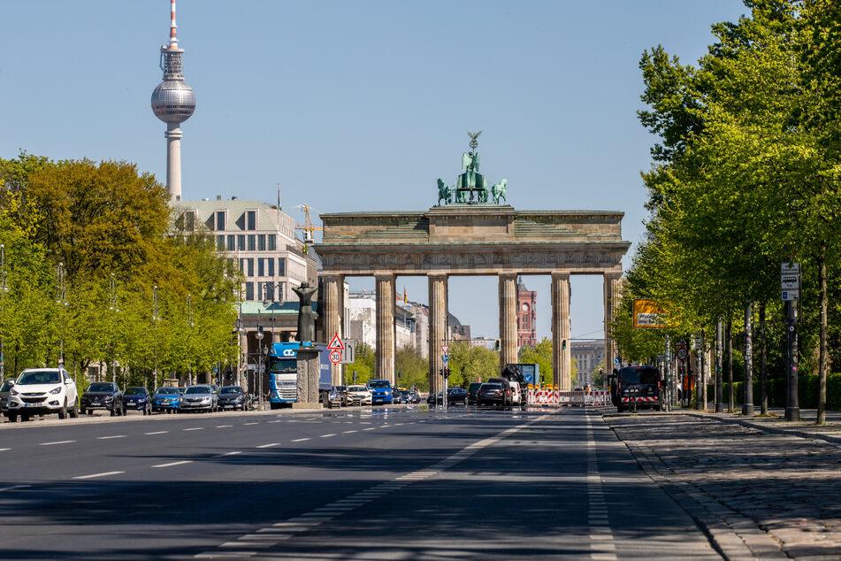 Trotz Berufsverkehr leere Straßen in Berlin: Die Maßnahmen zur Eindämmung des Coronavirus sorgten in April für weniger Straßenverkehr.