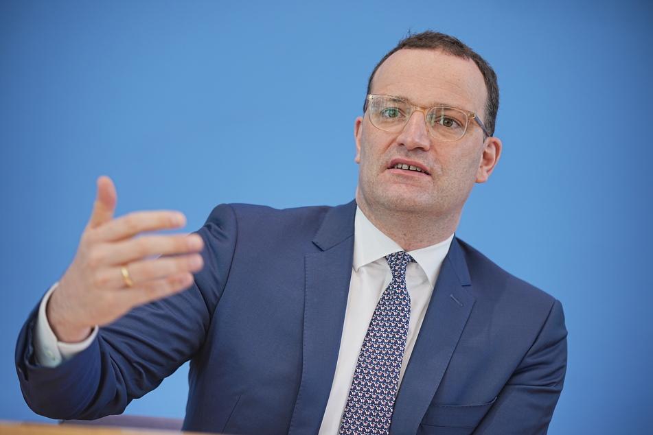 Bundesgesundheitsminister Jens Spahn (41, CDU) warnt vor allzu viel Corona-Sorglosigkeit im Sommer.