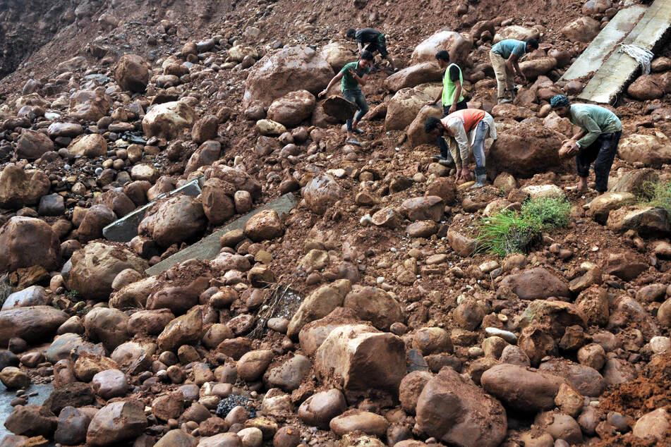 Umwelt-Tragödie: Mindestens 21 Menschen bei Erdrutsch ums Leben gekommen!