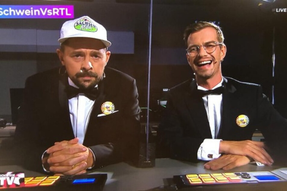 Klaas Heufer-Umlauf trägt bei TV-Show Sachsenmilch-Cap