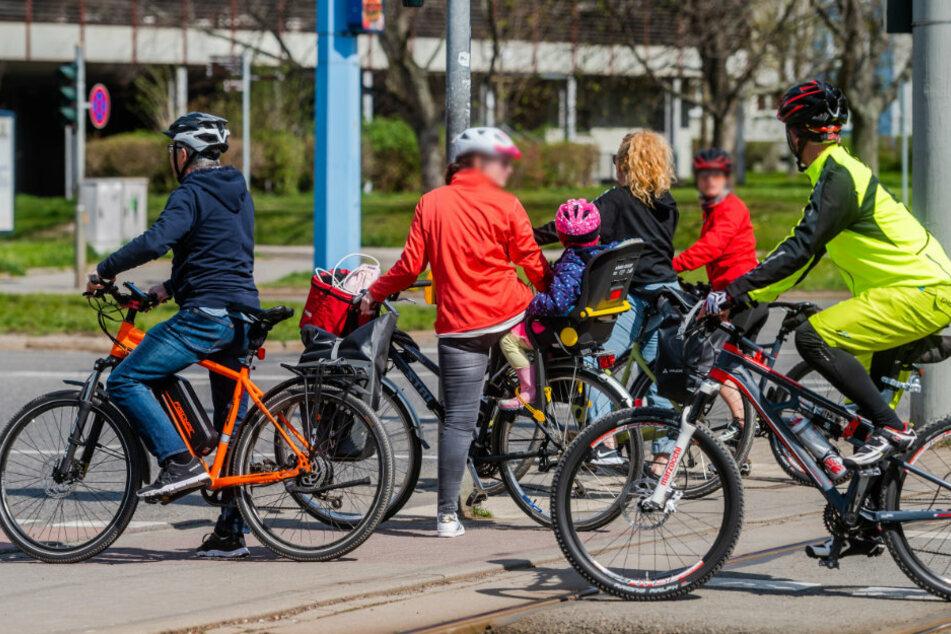 Mit dem Fahrrad kann man heute in Chemnitz auf Schwalbe-Tour gehen.