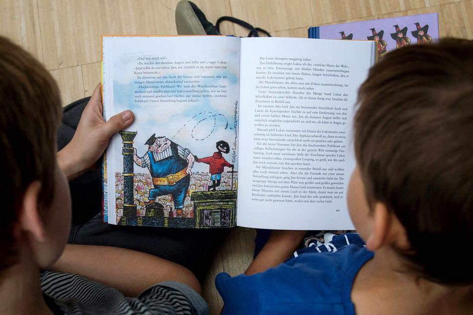 Kinderbücher: Diskriminierende Begriffe sollen um Zusatztexte ergänzt werden
