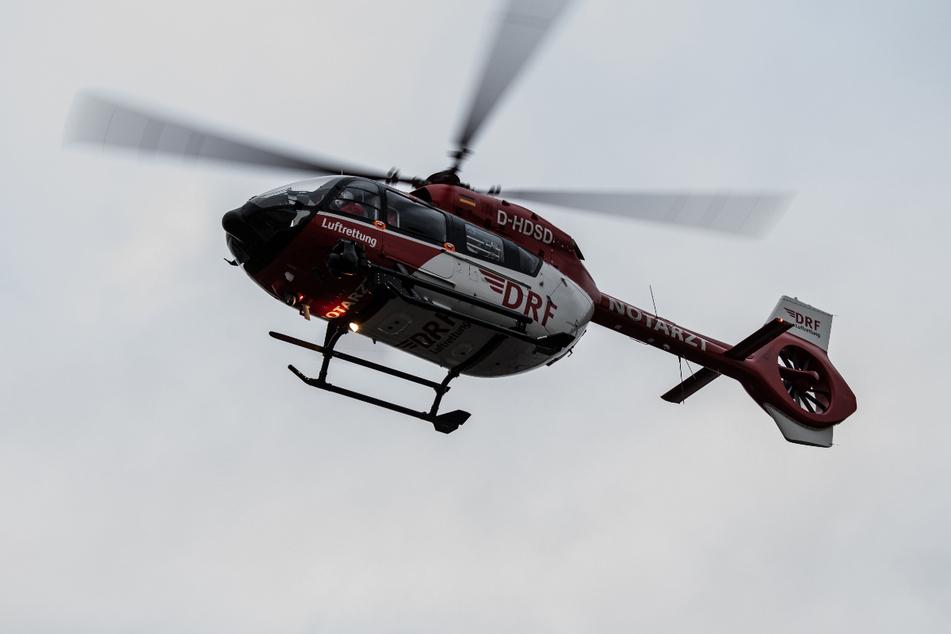 Ein Rettungshubschrauber brachten den Jungen in ein Krankenhaus. (Symbolbild)