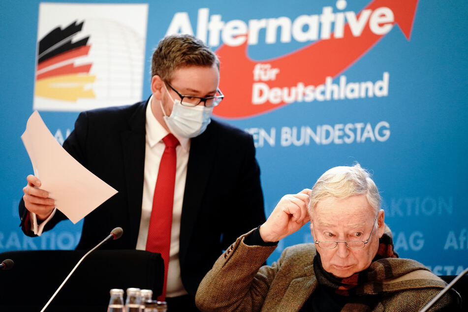 AfD-Chef Alexander Gauland (80, r.) und AfD-Bundestagsabgeordneter Sebastian Münzenmeier (32). Die Partei geht nicht weiter juristisch gegen die Maskenpflicht vor.
