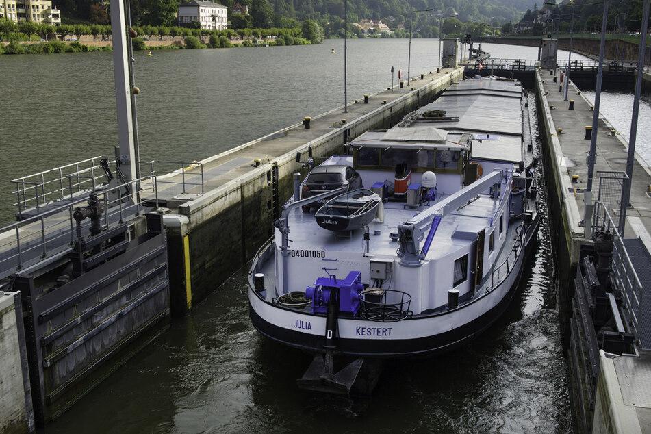 Die Schifffahrt auf dem Neckar wurde nach den heftigen Gewittern eingestellt. (Archivbild)