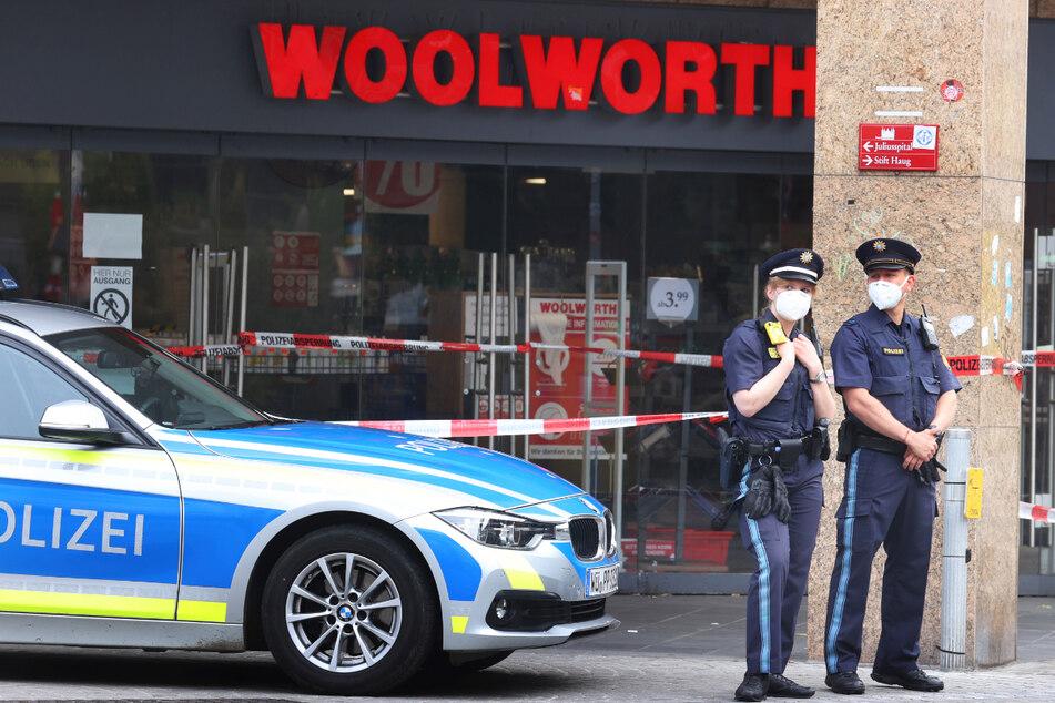 Bei einer Messerattacke in Würzburg hat ein 24-Jähriger aus Somalia am Freitag drei Menschen getötet und fünf schwer verletzt.
