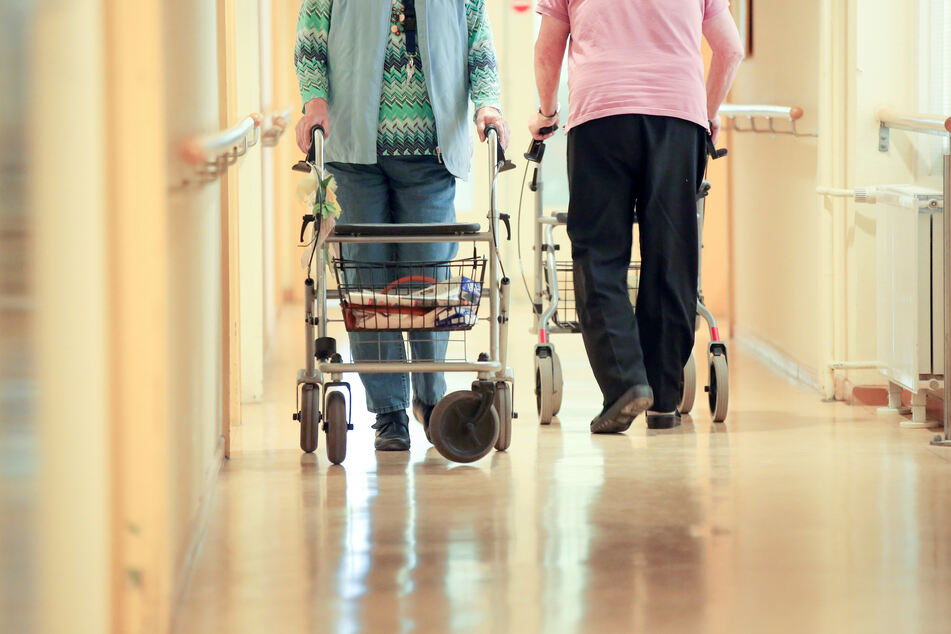 Seit Ausbruch der Corona-Pandemie stehen in Nordrhein-Westfalen mehr Pflegeheimplätze zur Verfügung als noch zuvor (Symbolbild).