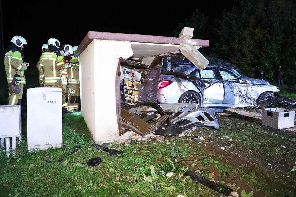 Vom Trafo ist nach dem Unfall nicht viel zu erkennen.