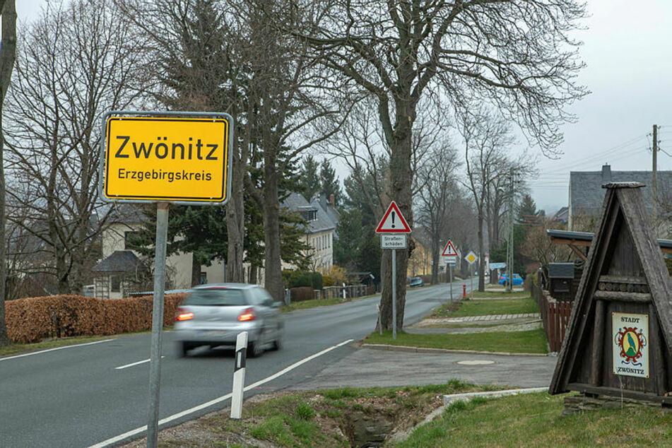 Wie das Landratsamt mitteilt, gibt es im Raum Zwönitz einen zweiten Todesfall im Zusammenhang mit einer Coronavirus-Erkrankung.