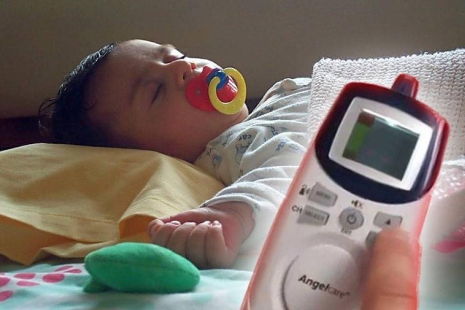 Horror: Eltern hören Männerstimme durchs Babyphone