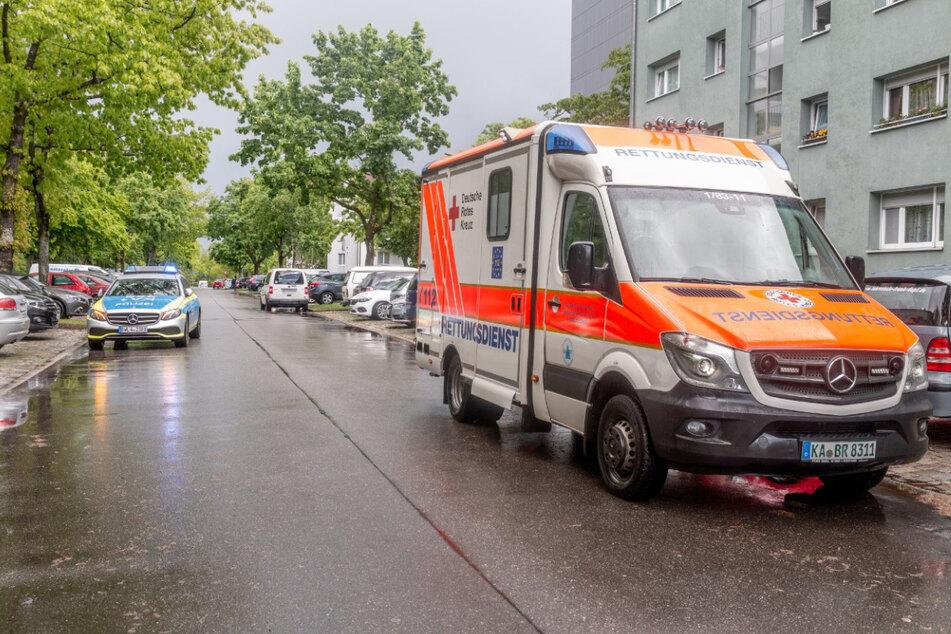 Blitz schlägt in Klettergerüst: Jugendlicher schwer verletzt!