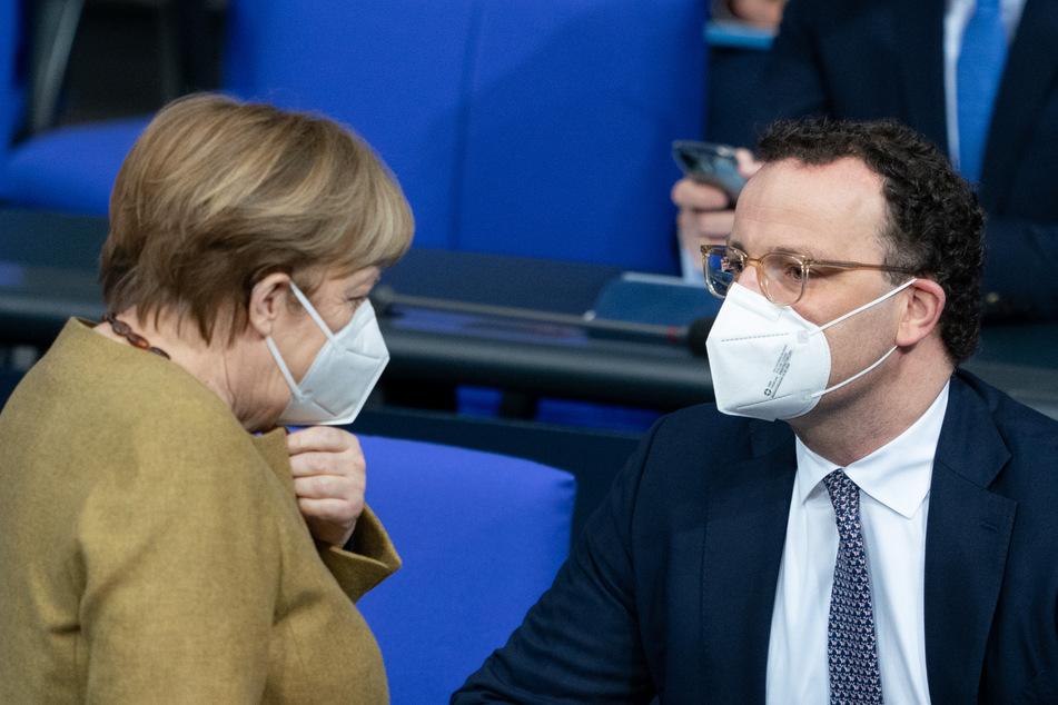 Bundeskanzlerin Angela Merkel (66, CDU) steht weiterhin hinter ihrem Gesundheitsminister Jens Spahn (40, CDU).