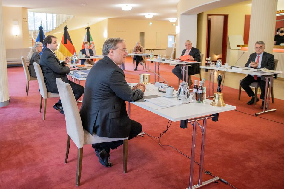 Das NRW-Kabinett bei einer Sitzung am 29. September 2020.
