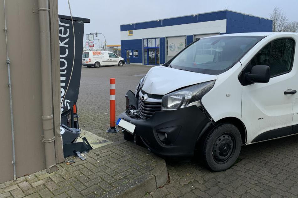 Opel rammt Amazon-Paketstation bei missglücktem ...