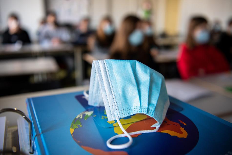 In der Debatte um Schul- und Kitaschließungen in NRW wegen hoher Neuinfektionsraten fordert der Städtetag NRW mehr Verlässlichkeit und Planbarkeit. (Symbolfoto)