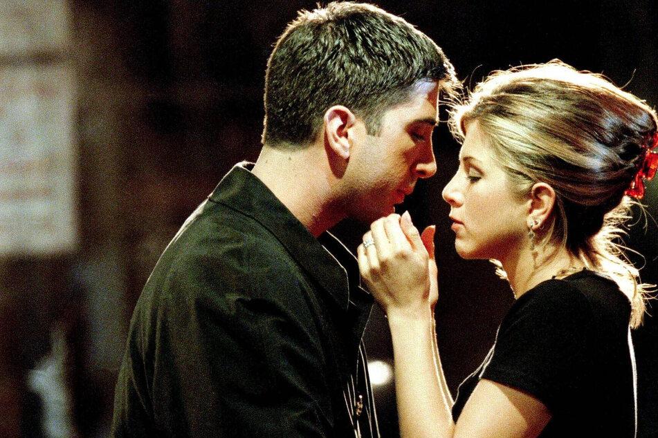 Ross & Rachel fans rejoice! David Schwimmer shares an adorable new photo with Jennifer Aniston