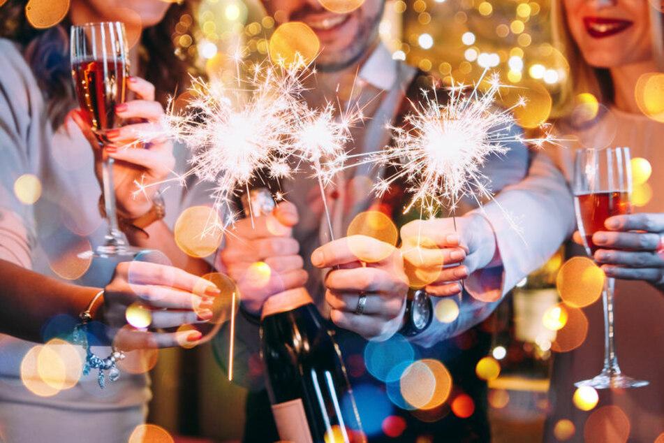Weil die Gäste nicht hörten, musste die Polizei am Samstagabend gleich zweimal eine Geburtstagsparty in Eisenach auflösen. (Symbolbild)