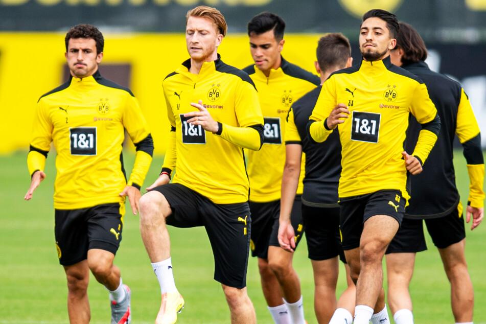 Immanuel Pherai (vorne-rechts) traf für Borussia Dortmund gegen den SC Paderborn 07.