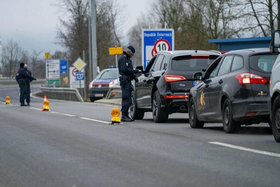 In Tirol sind rund 1200 Polizisten und Soldaten für die Ausreisekontrollen eingesetzt. (Archiv)