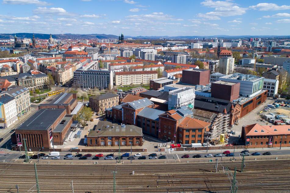 Ein Drohnenfoto des Kraftwerks Mitte zeigt eine Luftaufnahme des Geländes.