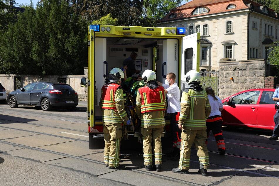Die Frau wurde zur Behandlung in ein Krankenhaus gebracht.