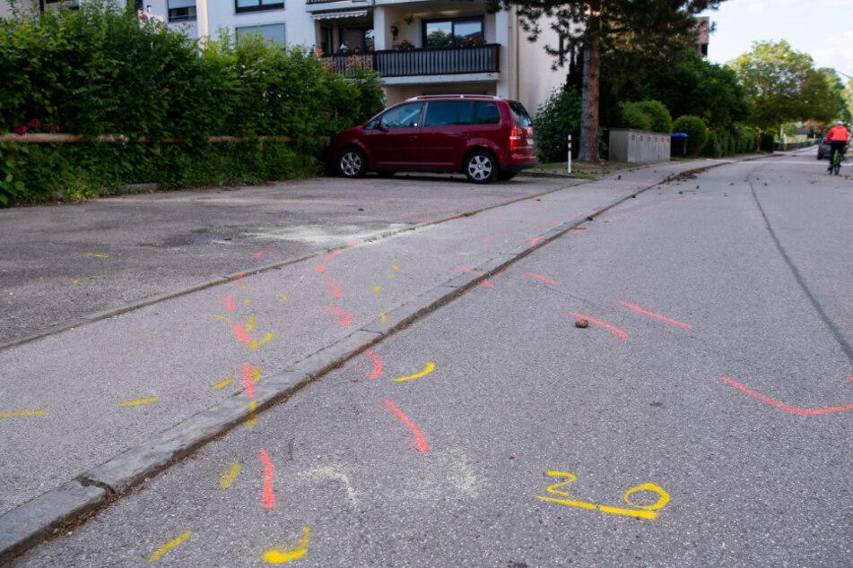 Autofahrer rast absichtlich in Fußgängergruppe: Haftbefehl wegen versuchten Mordes!