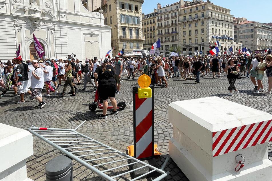 Jeden Freitag ziehen derzeit Tausende Demonstranten durch Frankreichs Städte, wie hier etwa in Marseille.