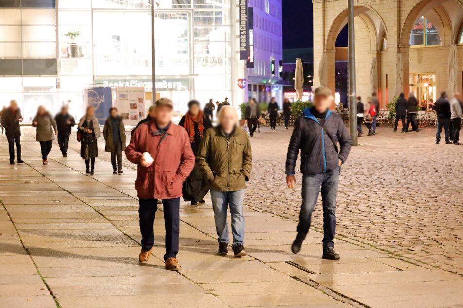 Am Montagabend demonstrierte eine kleine Gruppe Chemnitzer gegen die Corona-Beschränkungen