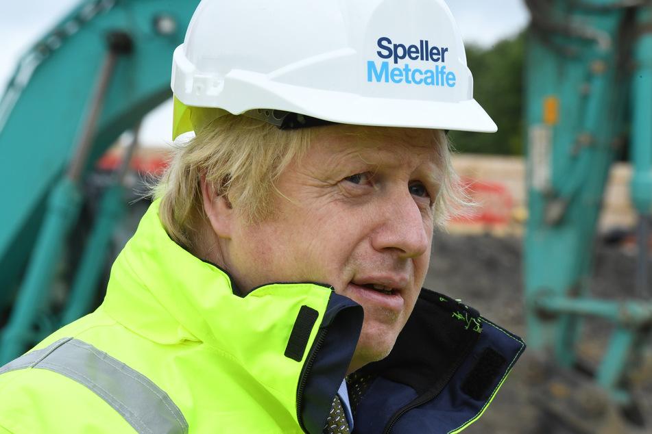 Boris Johnson, Premierminister von Großbritannien, besucht die Baustelle von Speller Metcalfe am Dudley Institute of Technology.