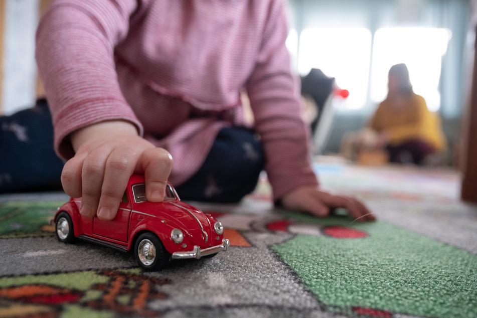 Mehrere Mutations-Infizierte in Kölner Kitas: Auch Kinder betroffen