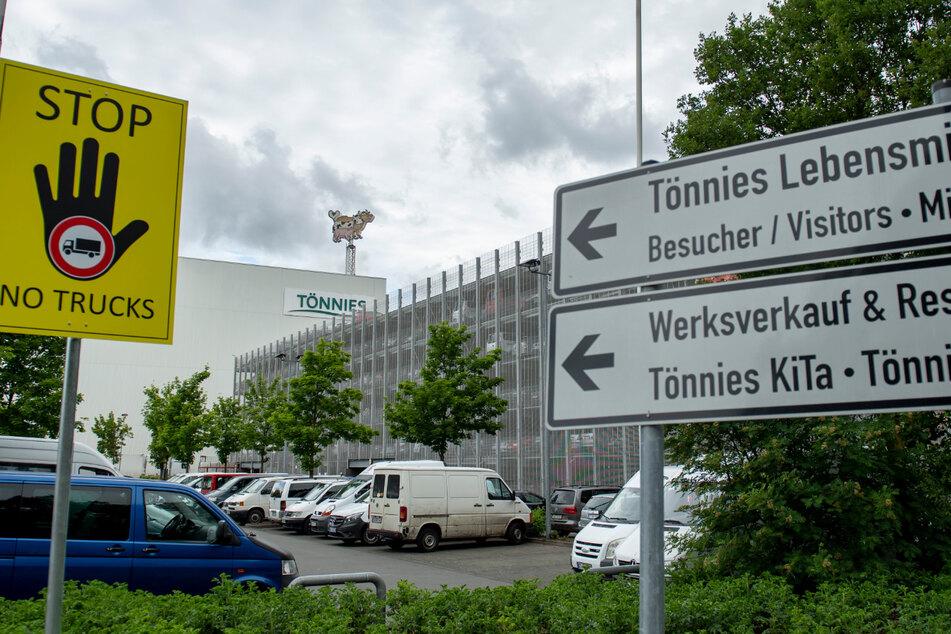 Außenansicht des Fleischwerk Tönnies in Rheda-Wiedenbrück. (Archivbild)