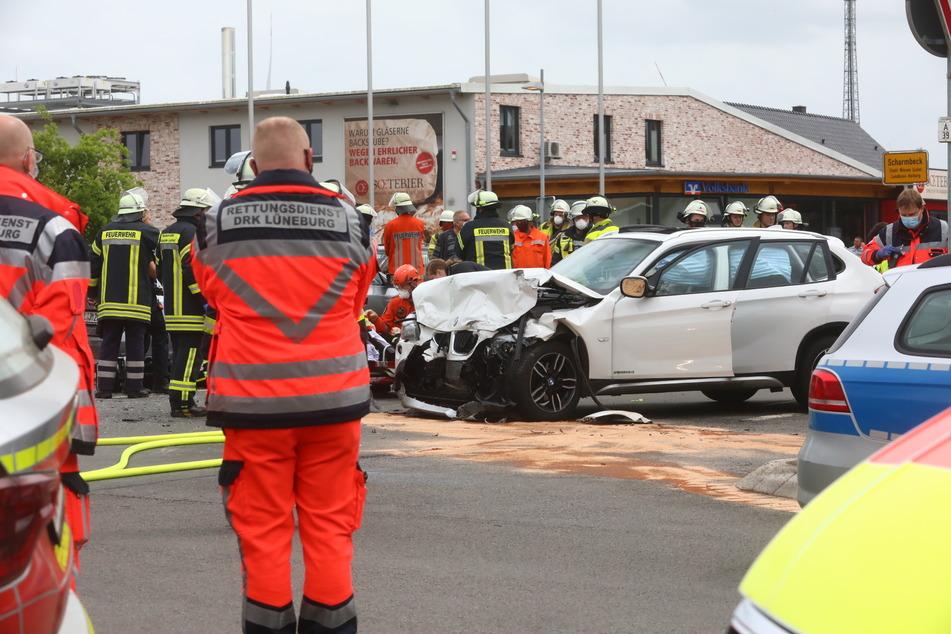 Auch Kinder verletzt: Schwerer Unfall auf der Landstraße