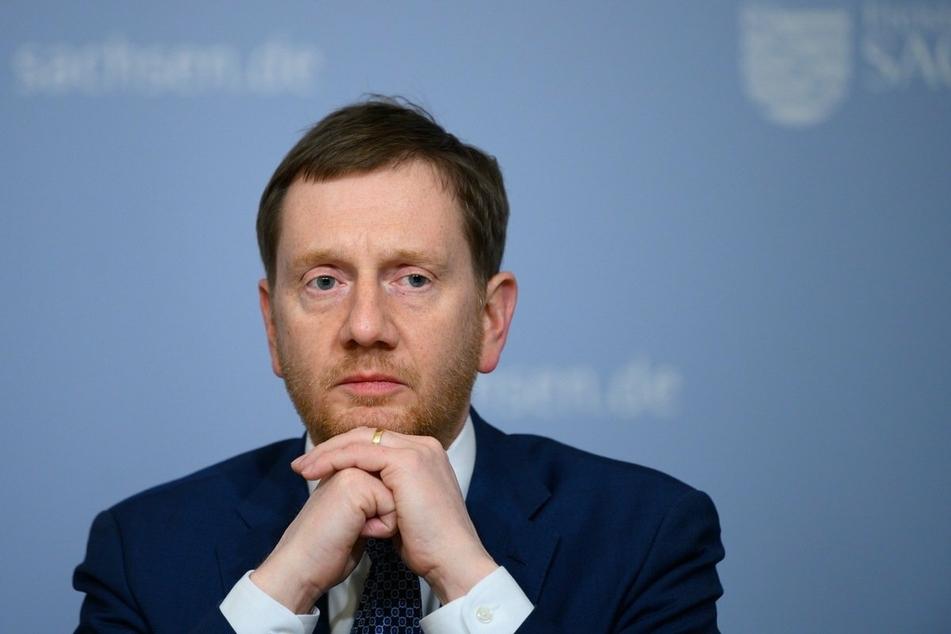 Michael Kretschmer (45, CDU) sieht einer Ermattung der Bevölkerung bei der Befolgung der Corona-Maßnahmen. Er fürchtet, dass die Inzidenz drastisch ansteigen wird.