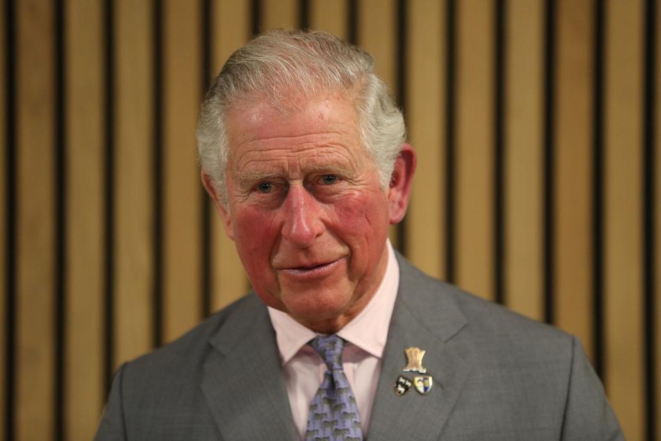 Papa Prinz Charles (71) zahlt erstmal für Harry und Meghan weiter.