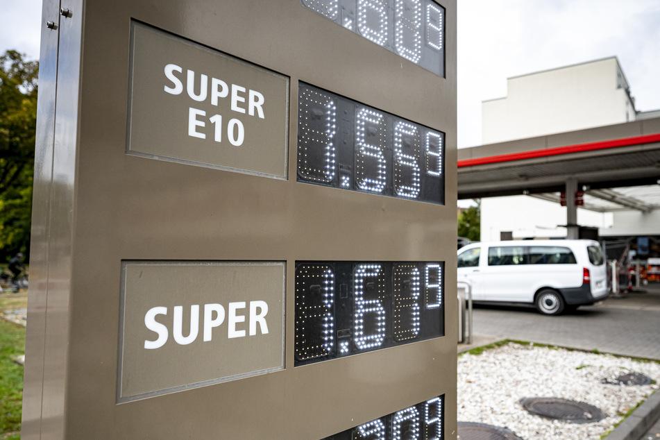 Der bundesweite Tagesdurchschnitt für Benzin und Diesel ist in Deutschland in den letzten Wochen weiter angestiegen. (Symbolbild)