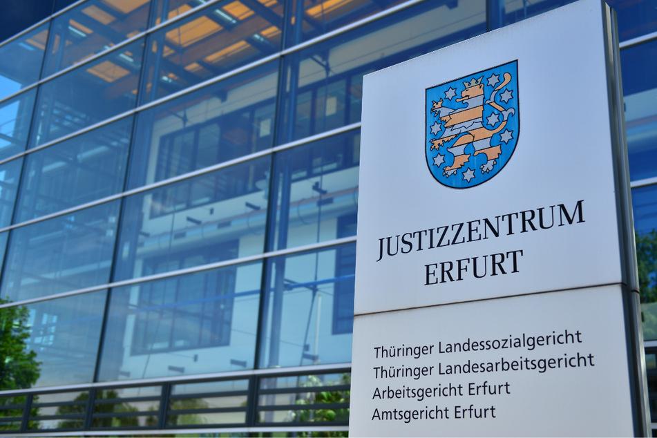 Ein Rechtsanwalt aus Thüringen musste sich vor dem Amtsgericht Erfurt verantworten. Vorwurf: Er soll versucht haben, Drogen für einen seiner Mandanten zu schmuggeln. (Archivbild)