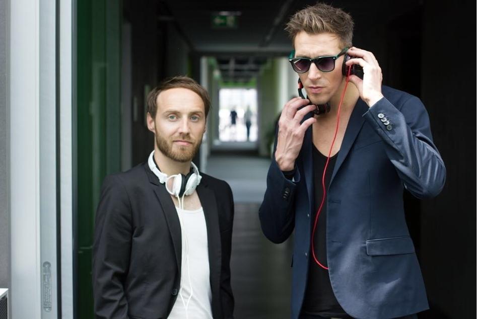 """Franz Lenski (36, l) und Philipp Richter (40) sind das DJ-Duo """"Diskofieber""""."""