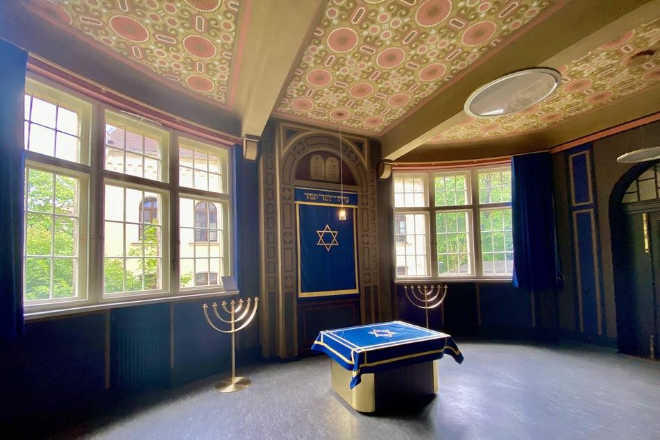 Blick in die Wochentags-Synagoge. Der Gebetsraum kann unter anderem auch für Gedenkveranstaltungen oder Empfänge genutzt werden.