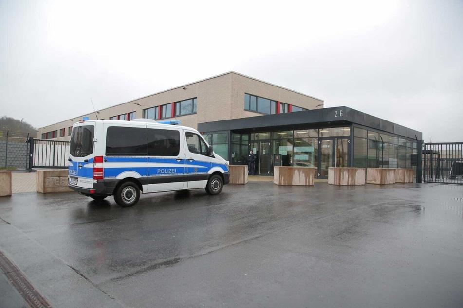 Verhandelt wird im Hochsicherheitsgericht am Hammerweg.