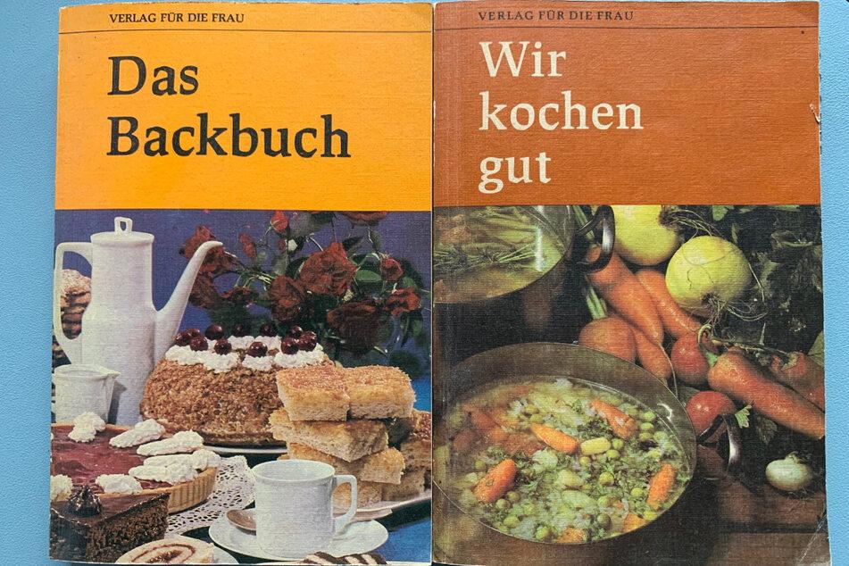 Auch in so manchem Redakteur-Regal finden sich die ostdeutschen Kochbuch-Klassiker noch wieder, hier zwei Ausgaben von 1986.