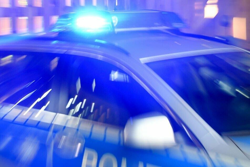 Vogtland: Mann flüchtet nach Frontal-Crash zu Fuß