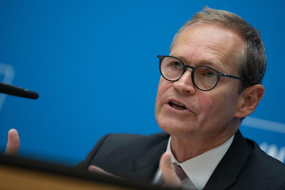 Berlins Regierender Bürgermeister Michael Müller (56, SPD) stellte vor einer Woche eine Optionsregel in Aussicht.