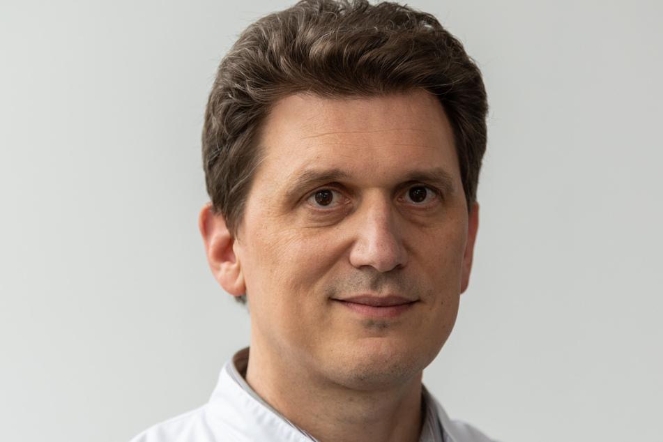 Alexander Dalpke, Leiter am TU-Institut für Medizinische Mikrobiologie, Hygiene und Virologie im Uniklinikum Dresden. (Archivbild)