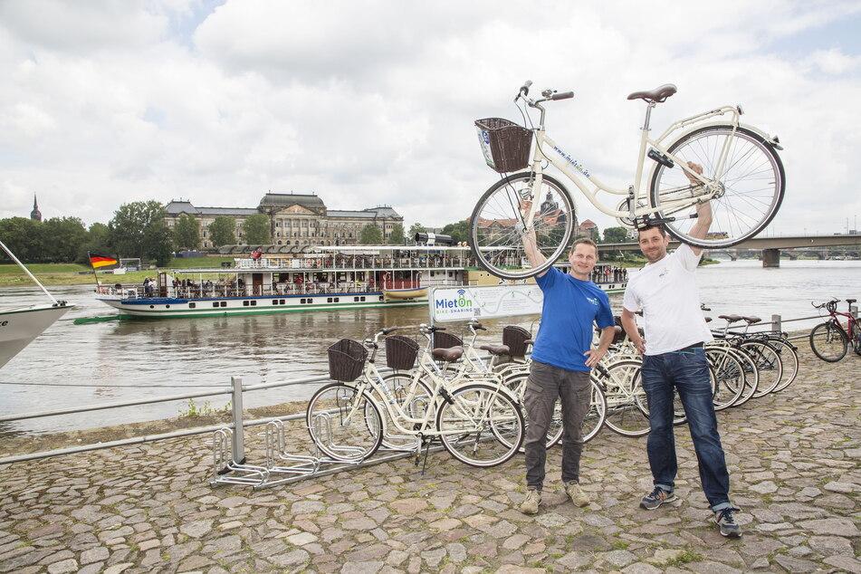 Die MietOn-Chefs Dirk Fischer (44, l.) und Daniel Fartak (43) freuen sich auf Dampfer-Gäste.