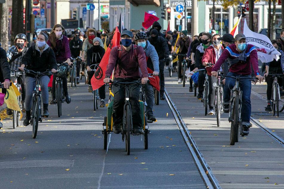 """Herz statt Hetze"": Hunderte zeigten Pegida die kalte Schulter"