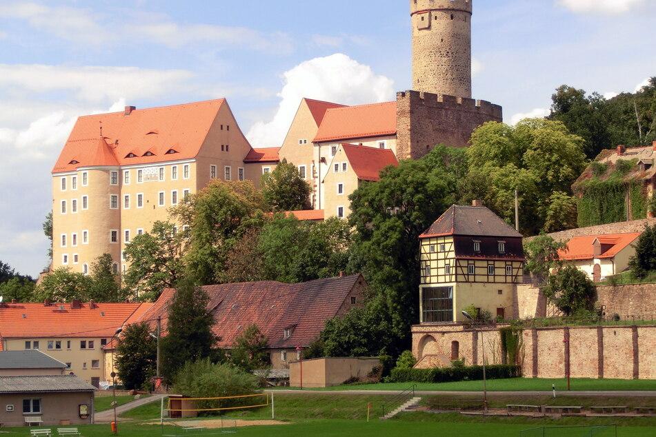 Der Freundeskreis Schlösserland Sachsen e.V. nimmt Euch mit auf einen Rundgang durch die Burg Gnandstein.