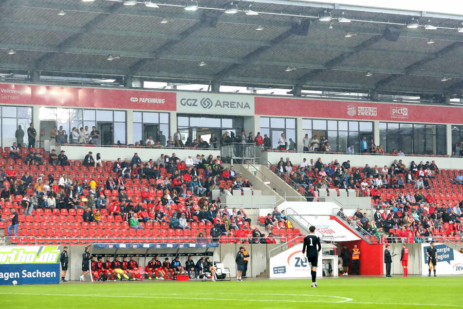 Im Test gegen Usti nad Labem waren 1150 Fans im Stadion. Zum Punktspielauftakt am Sonnabend gegen die Zweite aus Dortmund dürften alle 10.134 Plätze verkauft werden.