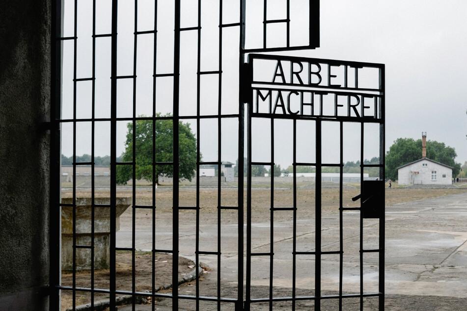 Ehemaliger KZ-Wachmann (100) soll vor Gericht! Platzt der Prozess?