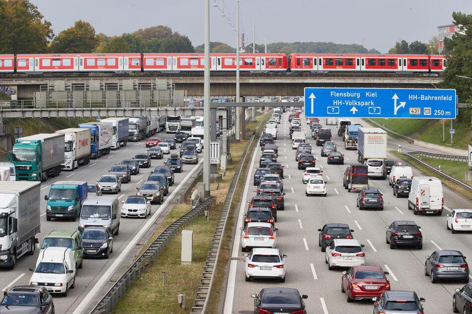 Bauarbeiten auf Autobahnen rund um Hamburg: Staugefahr!